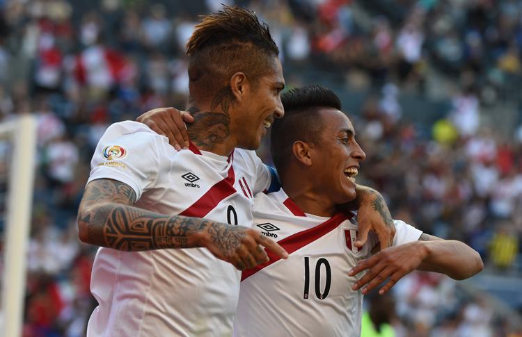 El goleador peruano Paolo Guerrero2