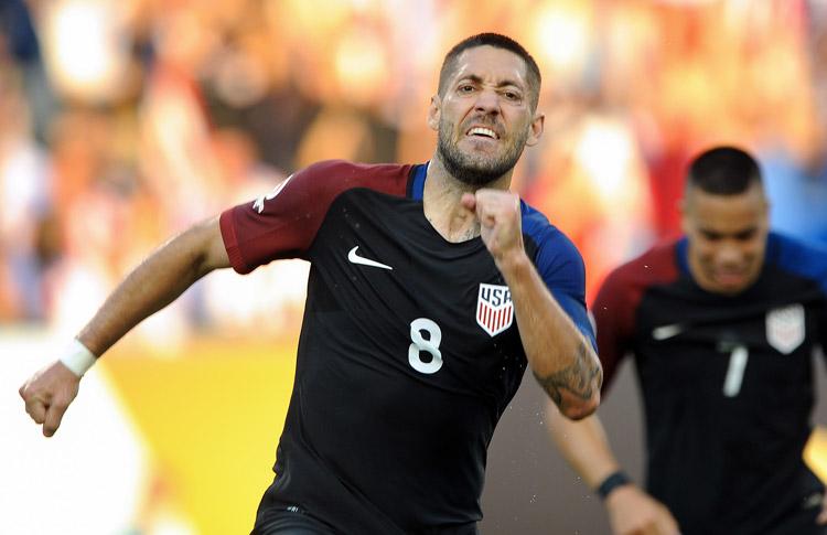 Estados Unidos entusiasma a su hinchada y avanza a cuartos2
