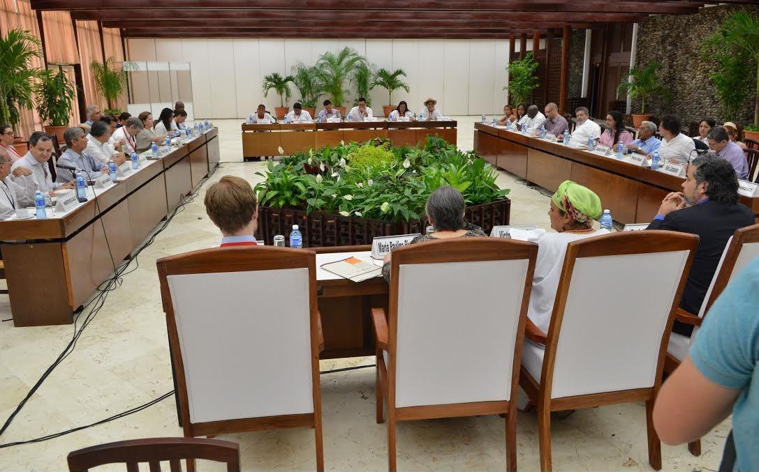 Mesa de conversaciones se reunió con Lideres de los pueblos y Comunidades Indígenas