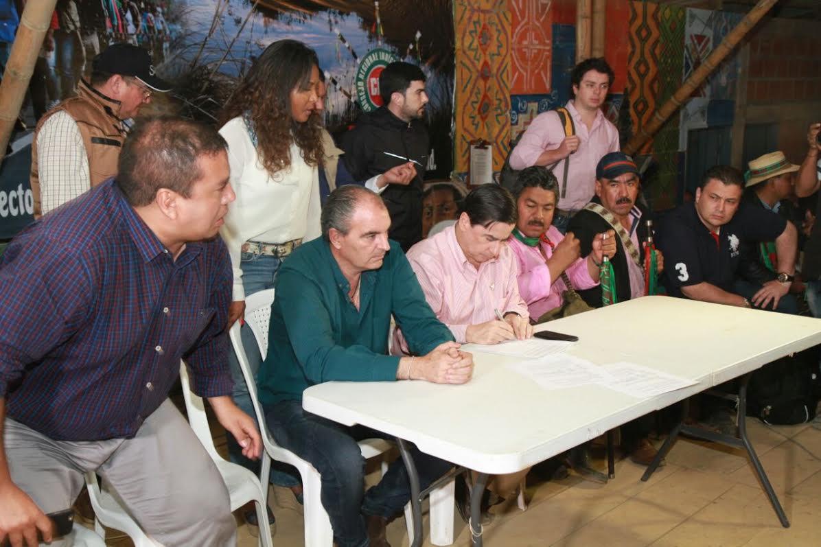 Ministro Juan Fernando Cristo reiteró el compromiso de diálogo con la Cumbre Agraria.