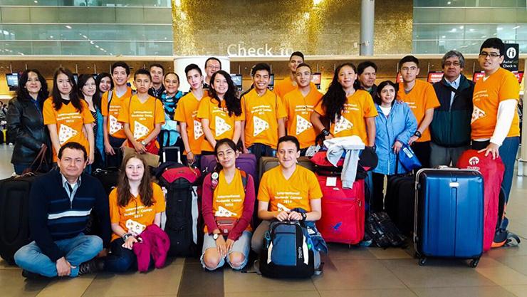 Nuevo grupo de estudiantes partió a Estados Unidos a participar en Campos de Inmersión en inglés00