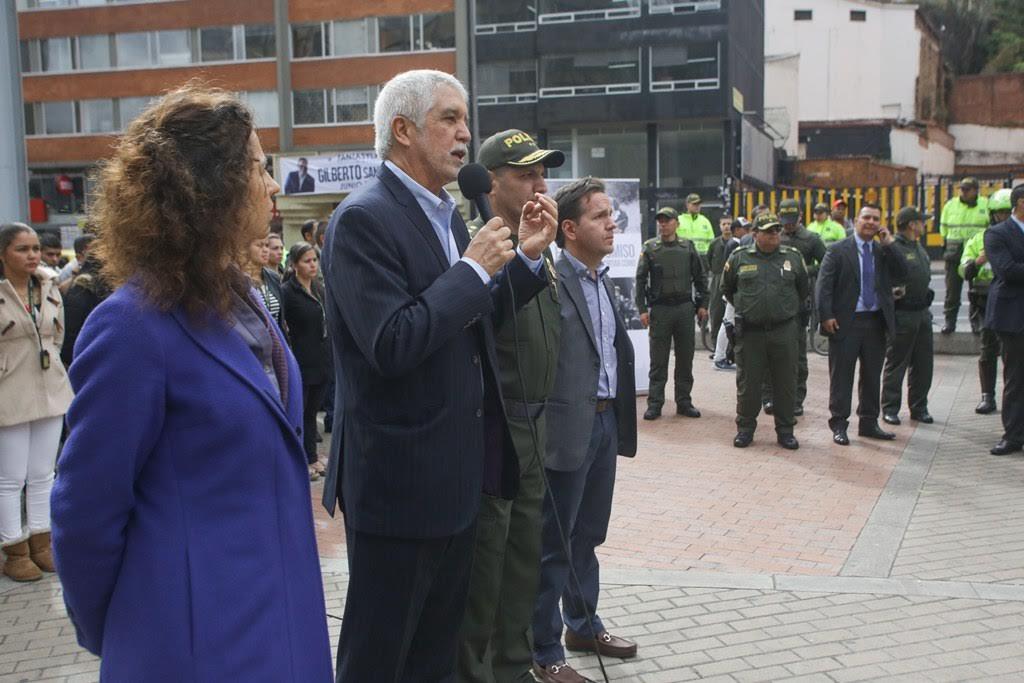 Policias encubierto cuidaran Transmilenio3