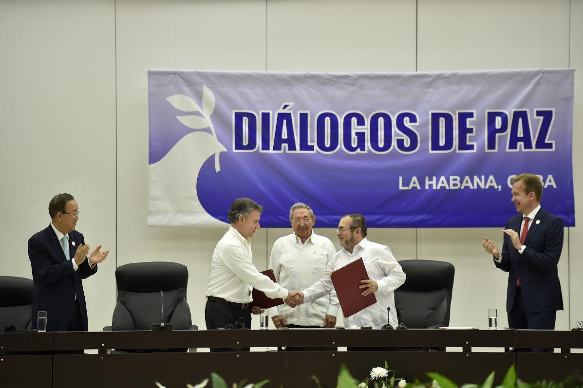 Presidente de la República, Juan Manuel Santos Calderón, y Rodrigo Londoño Echeverri, jefe de las Farc