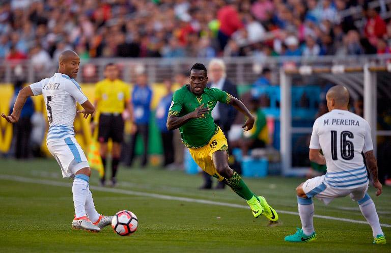 Uruguay se despide con triunfo 3-0 ante Jamaica2