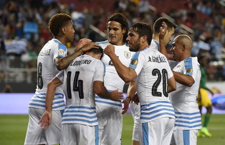 Uruguay se despide con triunfo 3-0 ante Jamaica3