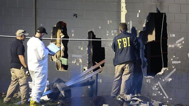 Por estos huecos ingresaron agentes del FBI para dar de baja a Omar Mateen, quien con un rifle AR 15 asesinó a 49 personas y dejó heridas a 53. Foto: La Nación (Argentina)