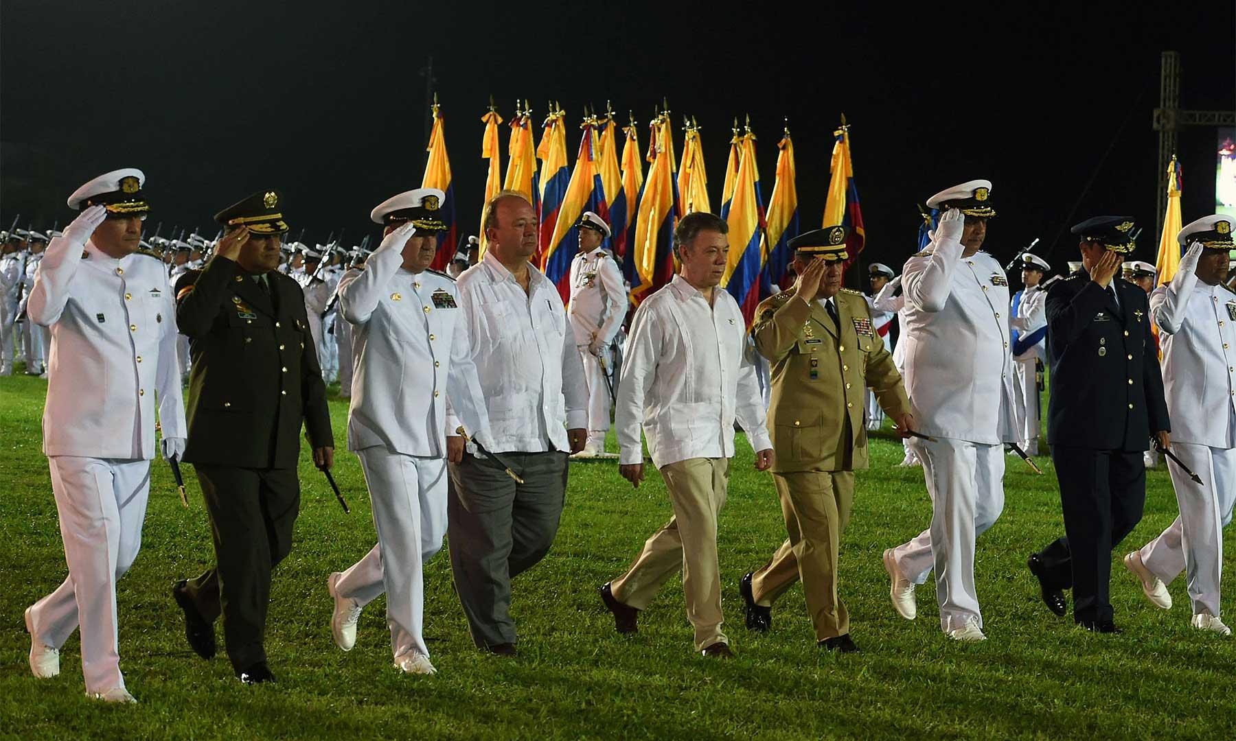 El Presidente Juan Manuel Santos encabezó este viernes la ceremonia realizada en la Escuela Naval de Cadetes Almirante Padilla, de Cartagena, para conmemorar el 193° aniversario de la Batalla Naval del Lago de Maracaibo y el Día de la Armada Nacional.
