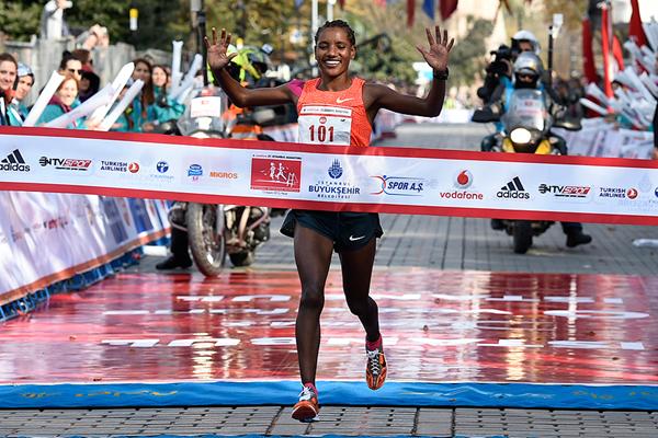 Amane Gobena defenderá su título en la Media Maratón de Bogotá
