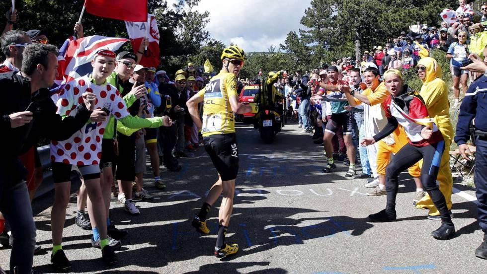 Chris Froome se mantiene líder de la general en el Tour de Francia.