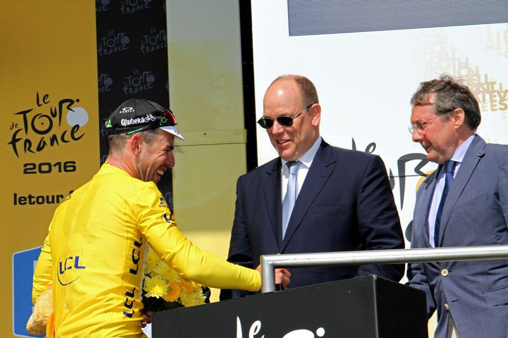 Tour de France 2016 - 02/07/2016 - Grand départ - Mont-Saint-Michel/ Utah Beach Sainte-Marie-du-Mont (188km) - CAVENDISH Mark felicité par SAS Albert de Monaco
