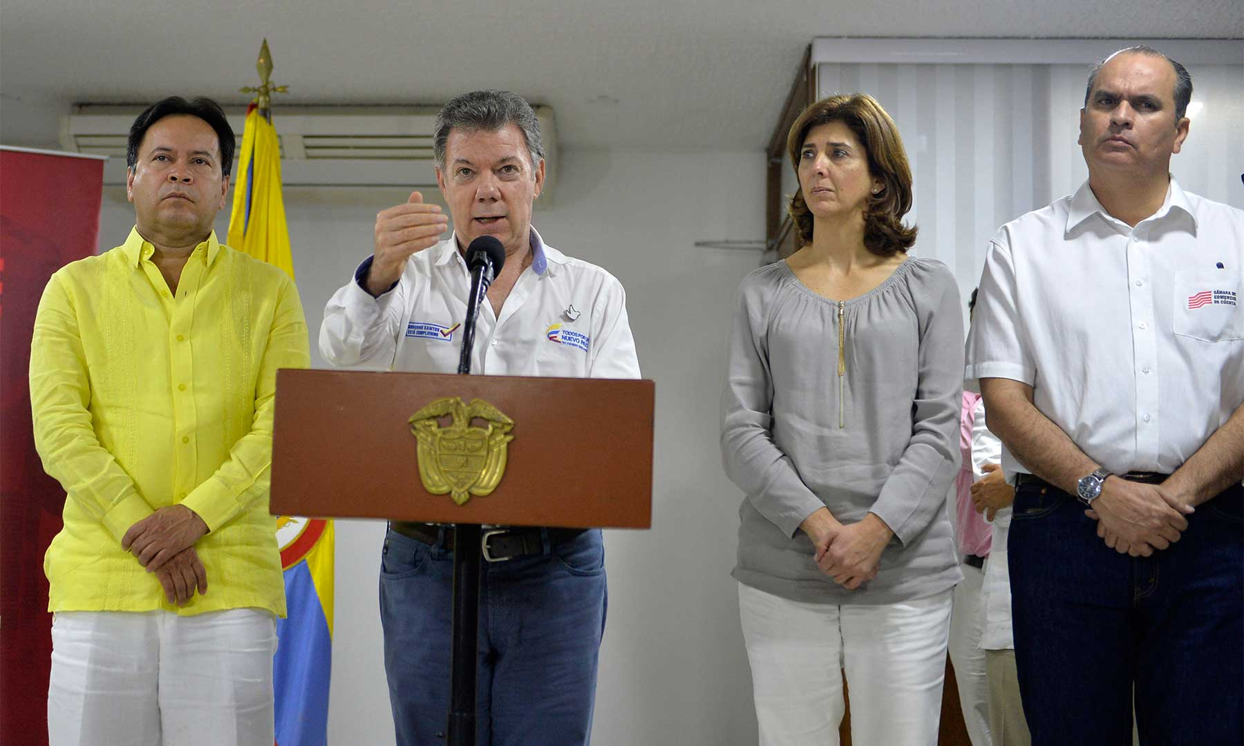 Jefe del Estado anunció la creación de un grupo de trabajo, que será liderado por la Canciller María Ángela Holguín, con miras al efectivo restablecimiento del paso fronterizo.