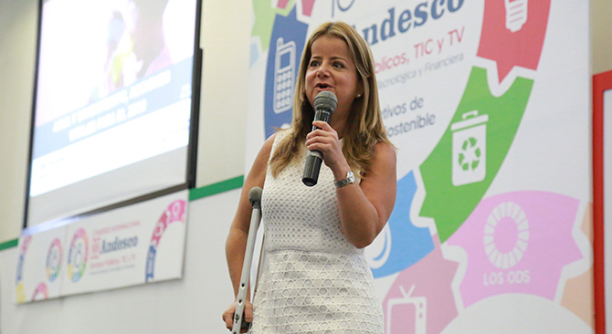 Ministra de Vivienda y Agua, Elsa Noguera, Foto: René Valenzuela (MVCT)