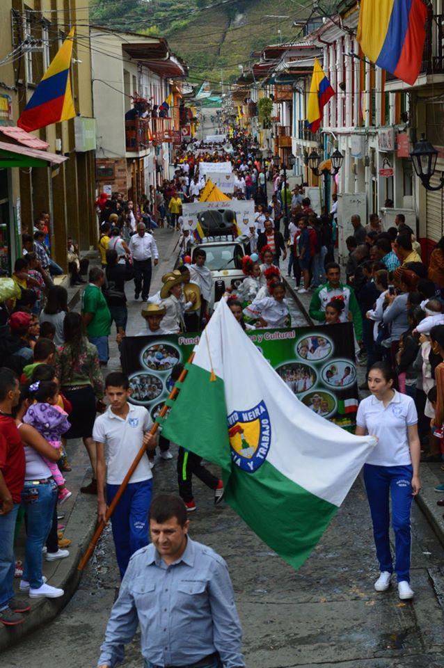Neira Caldas celebra el 20071603
