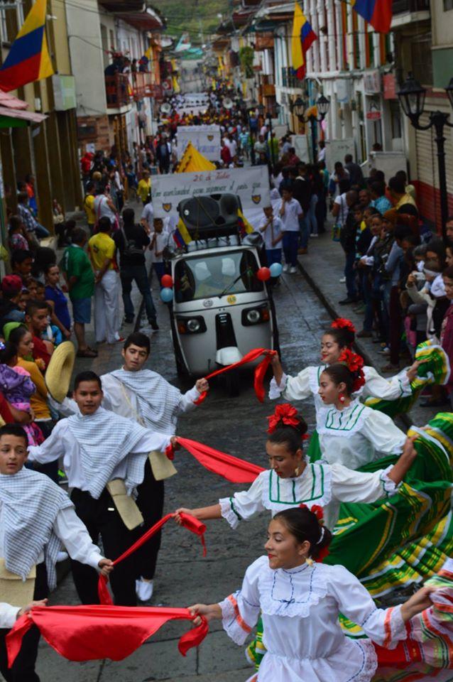 Neira Caldas celebra el 20071604
