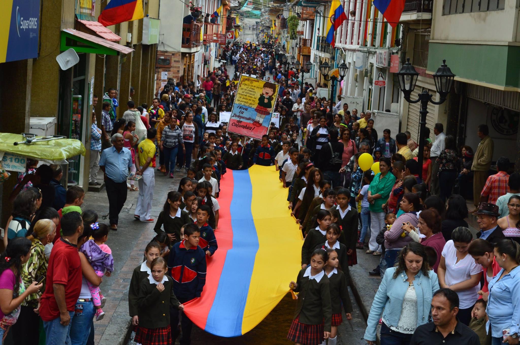 Neira Caldas celebra el 200716Q