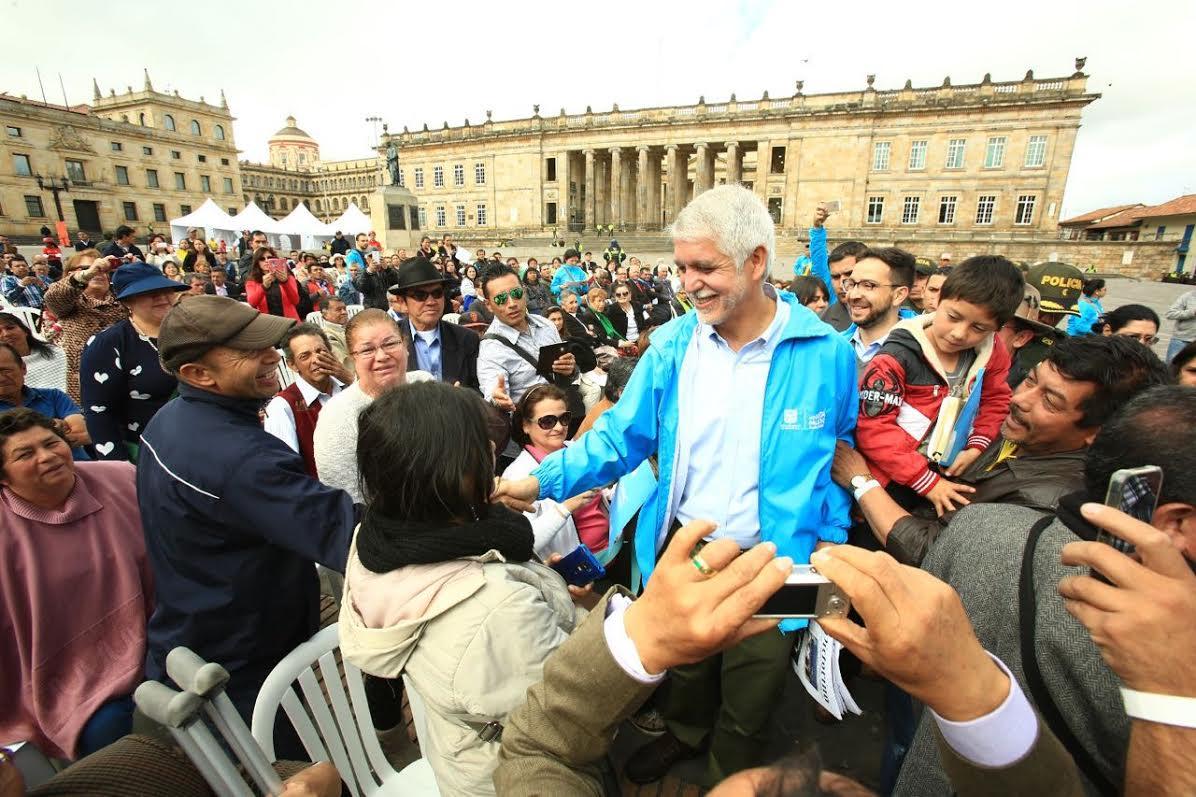 Peñalosa posesionó a más de 12.000 integrantes de las Juntas de Acción Comunal2