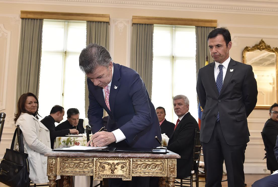 Presidente firmó decreto que establece el Día Nacional de la Libertad Religiosa y de Cultos 4