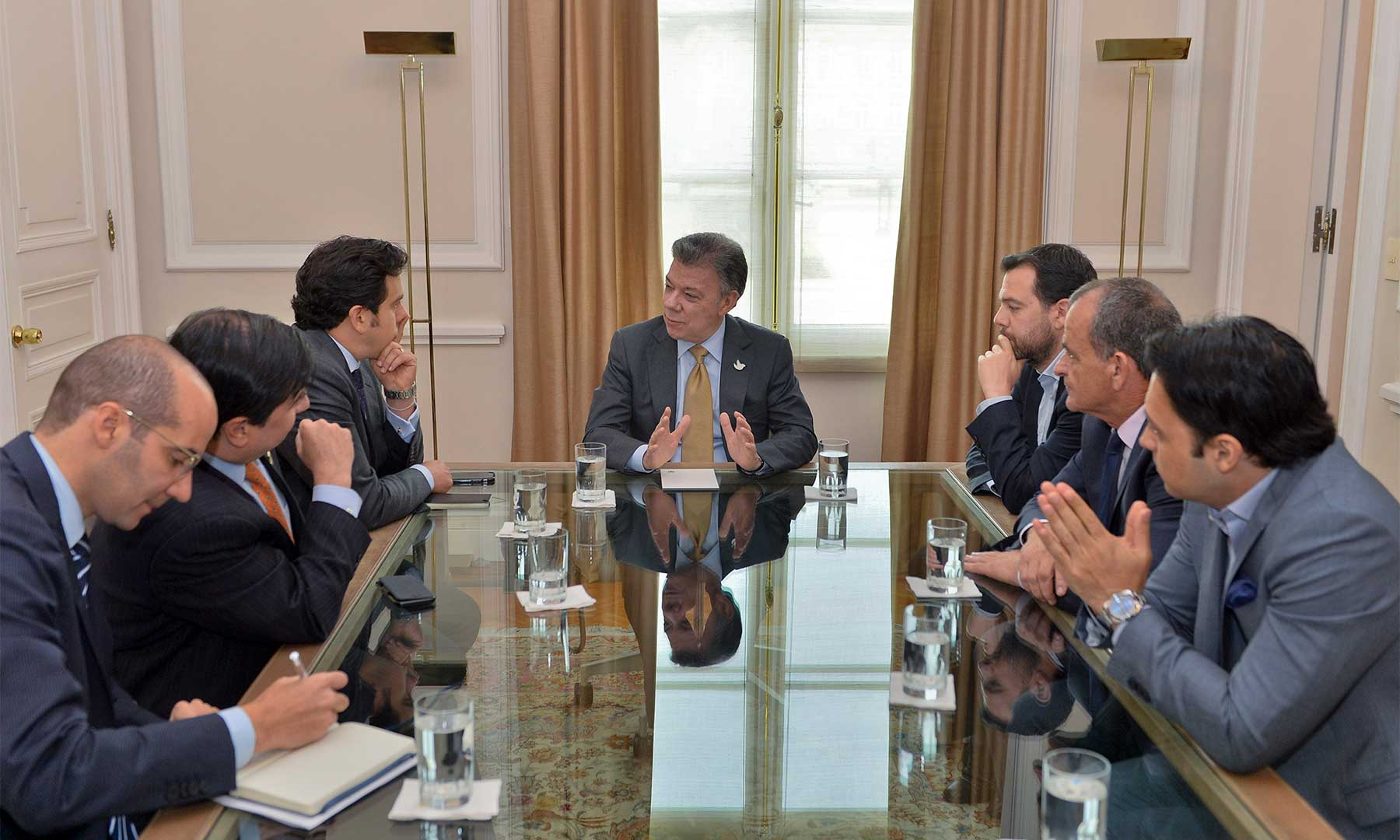 En la tarde de este jueves el Presidente Juan Manuel Santos se reunió con los dirigentes del Partido Cambio Radical, colectividad que ratificó su apoyo al sí en el plebiscito y a la implementación de los acuerdos de La Habana.