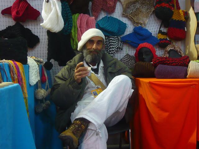 El poeta y artista hilandero del fique Fernando Mendoza, o el 'Viejo Fercho', como le conocen en Cajicá. Foto: La Pluma & La Herida