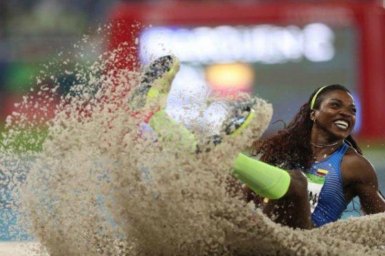 Caterine Ibargüen durante la prueba final del salto triple, en Río 2016