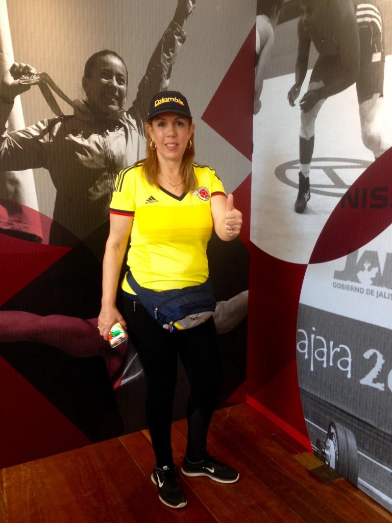 Clara Luz Roldán en el recorrido por Casa Colombia.2