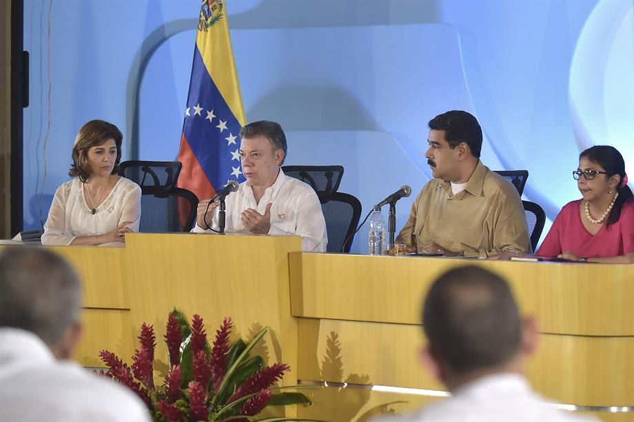 El Presidente Santos anunció que habilitarán cinco puntos transitorios para facilitar el paso controlado de ciudadanos en ambos sentidos de la frontera colombo–venezolana.