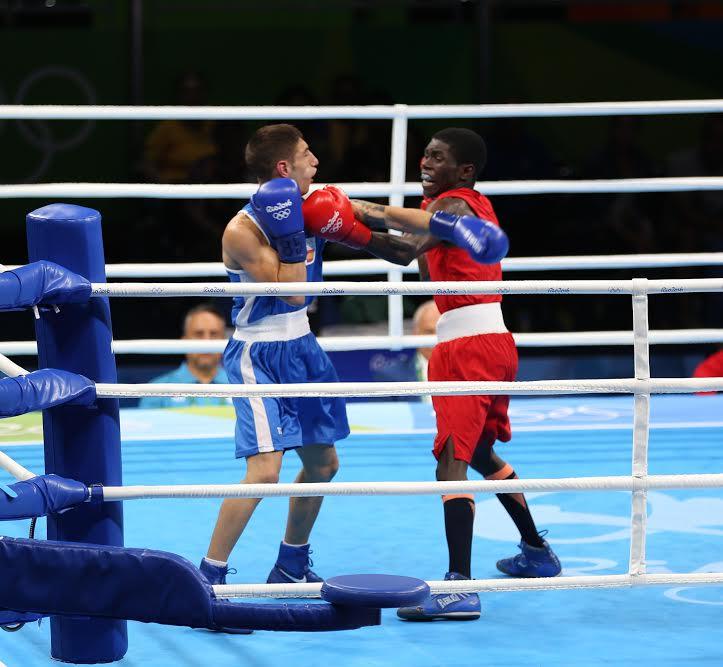 El boxeador Yuberjén Martínez, en la división de los 49 kilogramos aseguró la medalla de bronce para Colombia,.