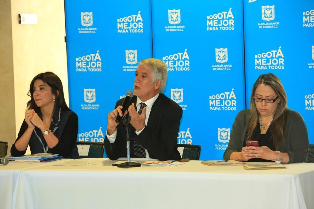 Empresarios invertirán más de 1.000 millones de pesos en educación pública de la ciudad3