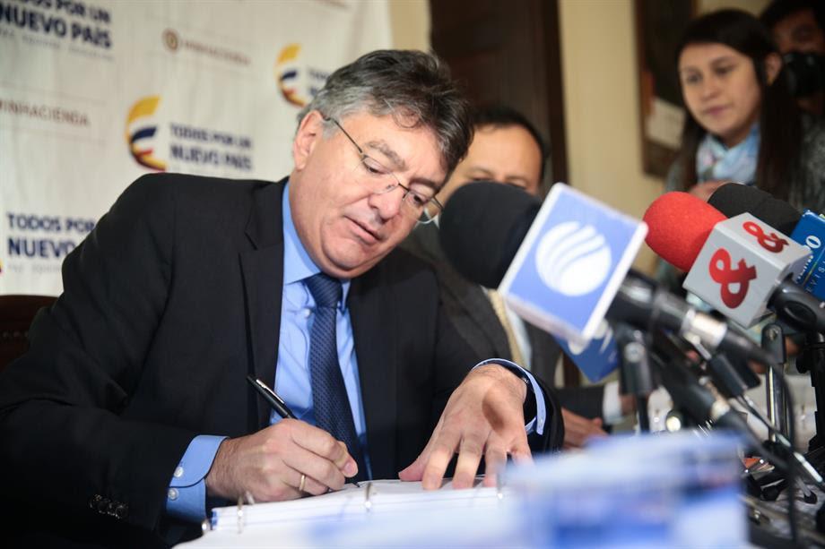 Gobierno Nacional radica proyecto para fortalecer vigilancia de grupos financieros