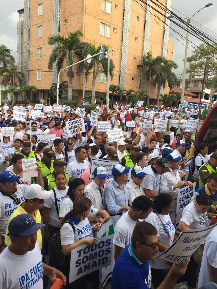 Más de 10 mil costeños marcharon exigiendo ¡Pa' fuera Electricaribe!