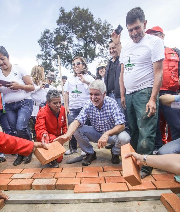 Más de 10.000 ciudadanos limpiaron y recuperaron el espacio público de Bogotá