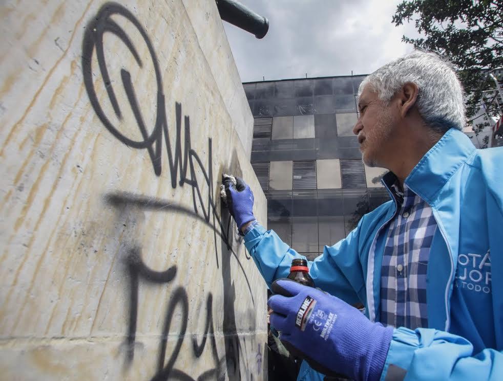Más de 10.000 ciudadanos limpiaron y recuperaron el espacio público de Bogotá5