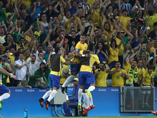Neymar guió a Brasil al oro en futbol de Río 2016