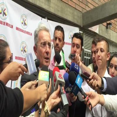 Uribe en Medellín 220816