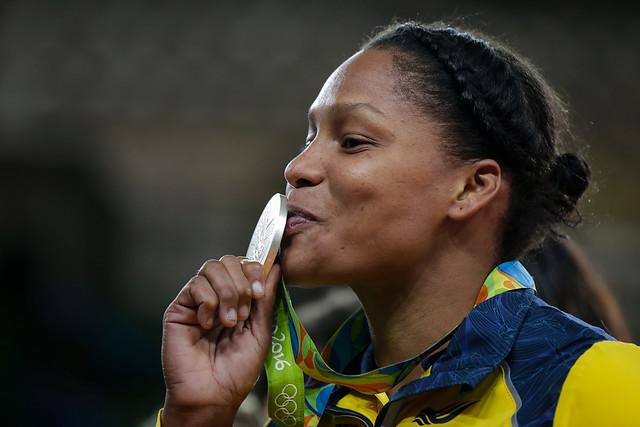 Yuri Alvear, con su medalla de plata en el judo de Río, segunda de Colombia en estos Juegos, y segunda olímpica de ella en su carrera.