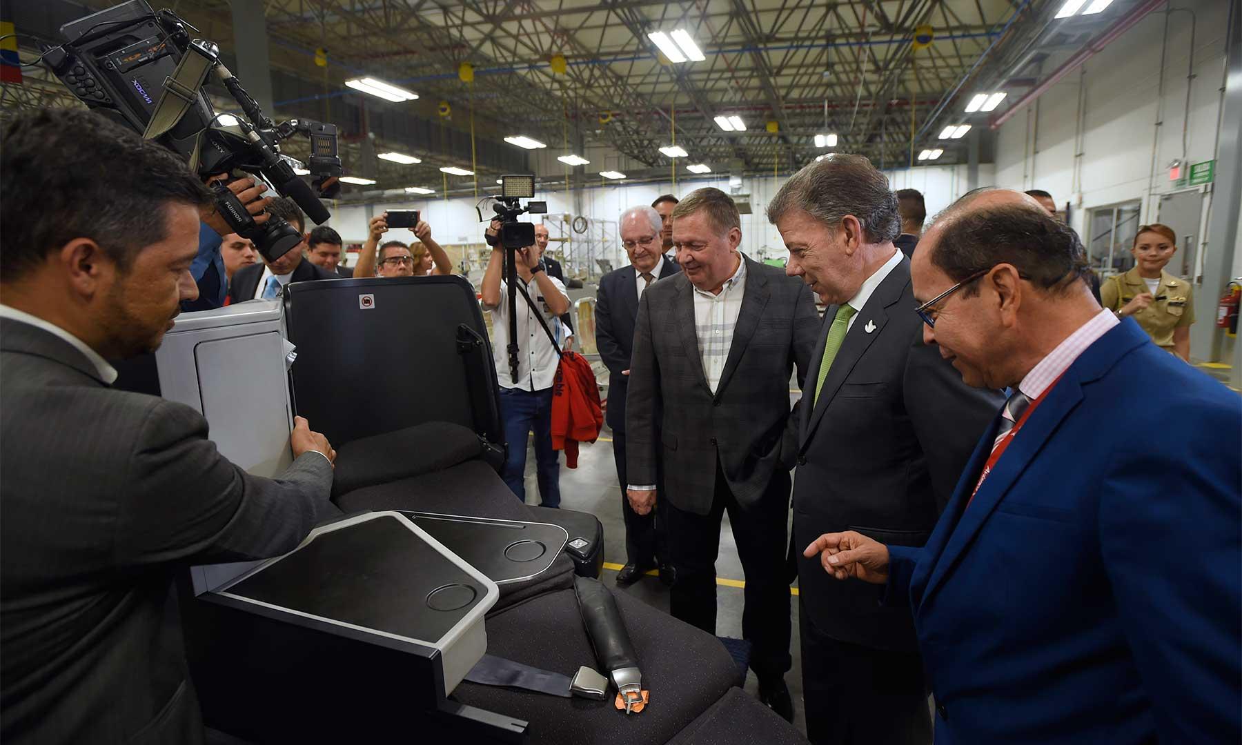 En el nuevo Centro de Mantenimiento de Avianca, inaugurado por el Presidente Santos, la aerolínea invirtió 50 millones de dólares en su construcción.