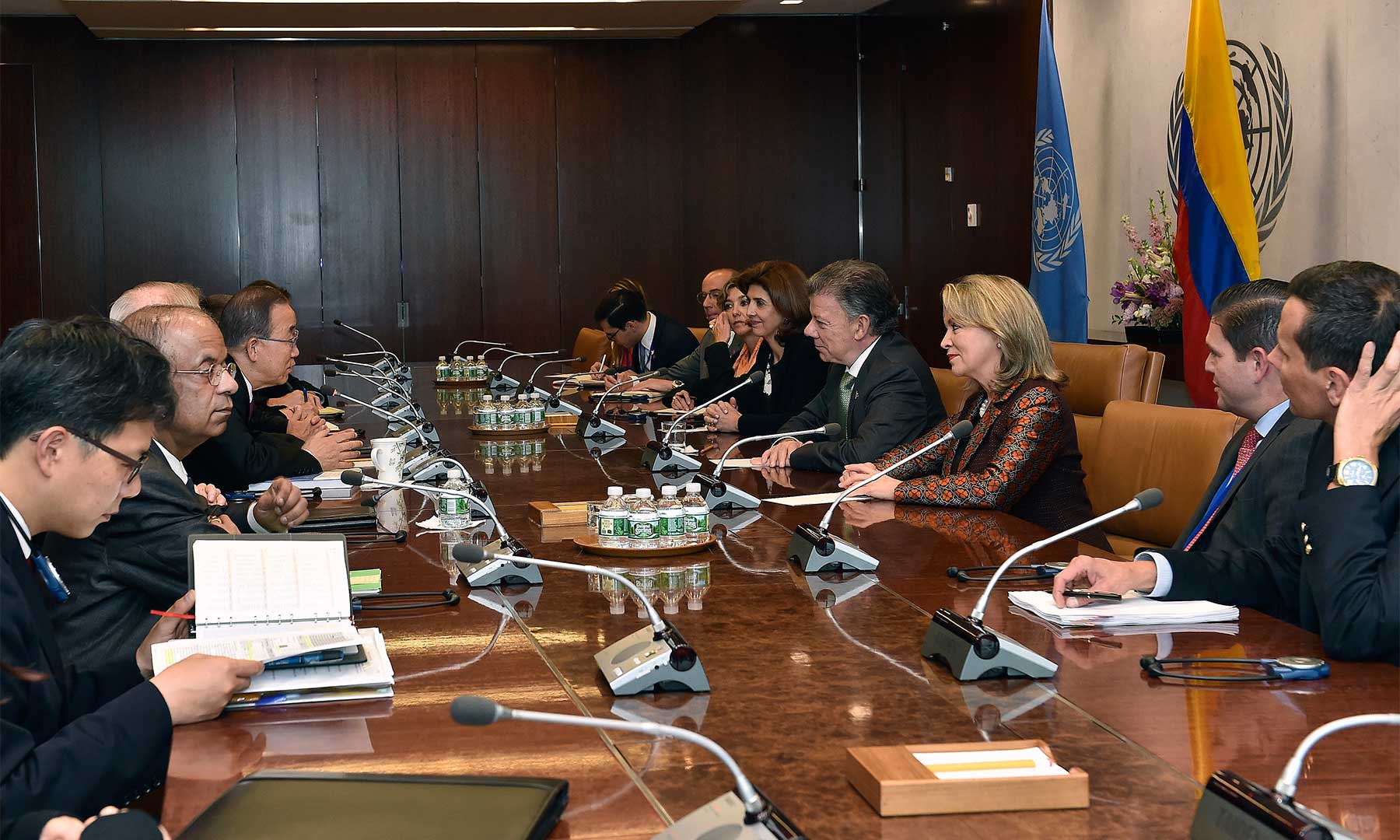 Este lunes el Presidente Juan Manuel Santos tuvo una entrevista con el Secretario de la ONU, Ban Ki-moon a quien agradeció los buenos oficios del organismo para lograr el acuerdo y su disposición para conseguir una paz estable y duradera.