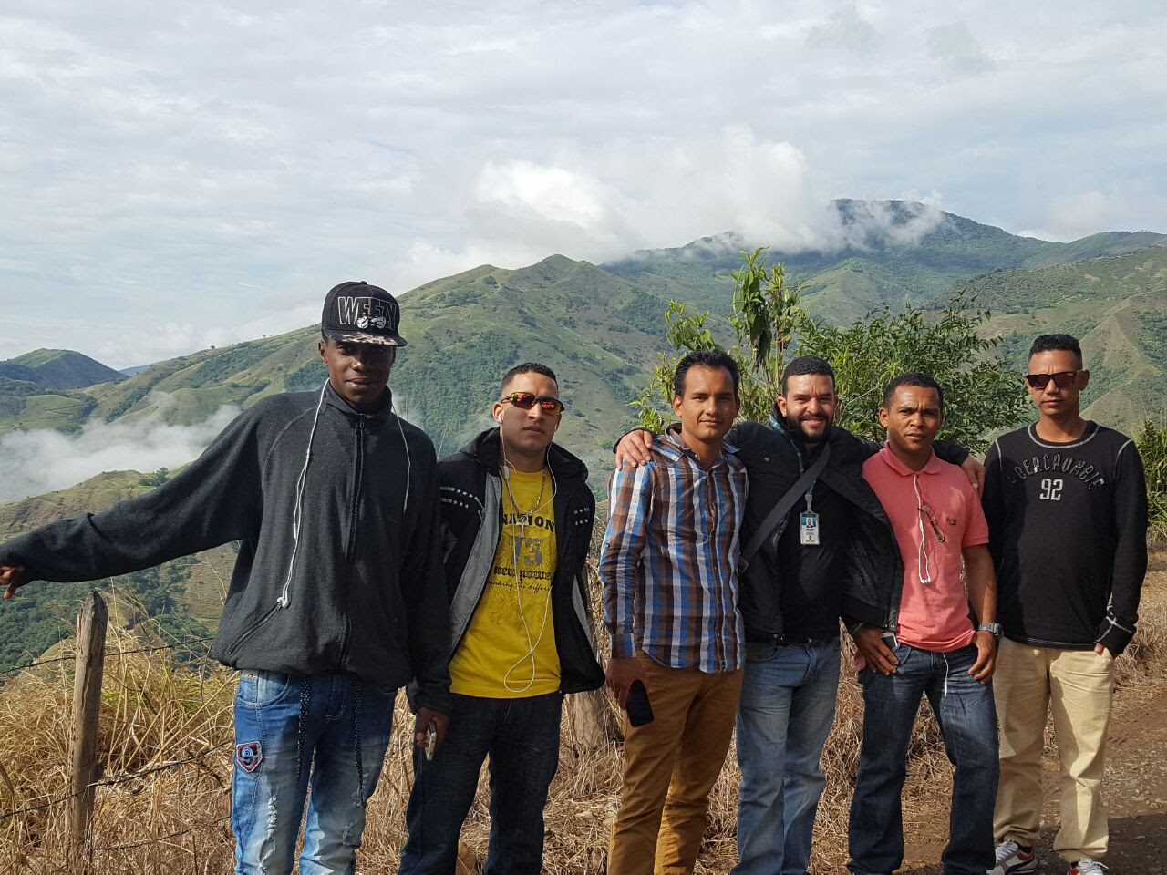 El grupo de ex habitantes de calle en las instalaciones de la Agroindustria La Hondura, en Betulia.Foto: Juan Camilo Aguirre