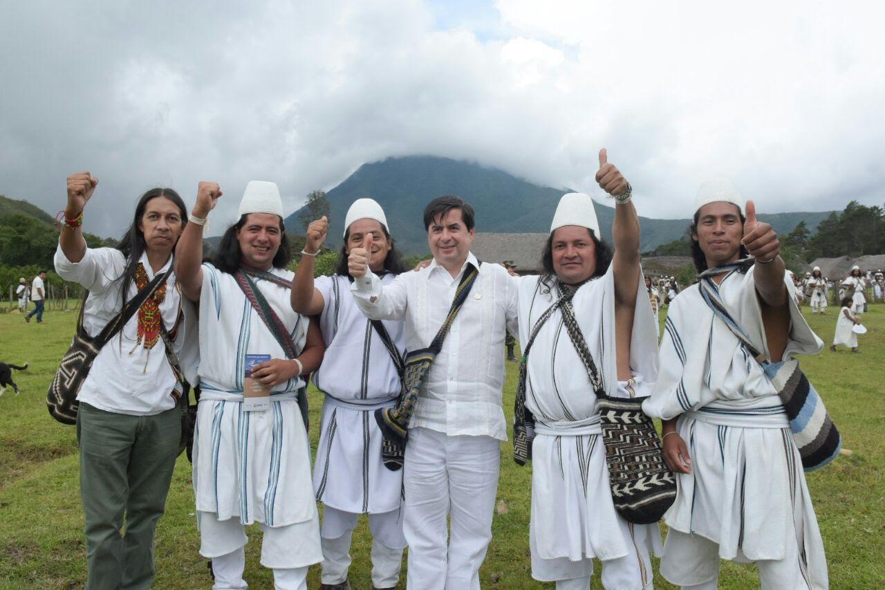 pueblo-arhuaco-dice-si-a-la-paz-y-al-plebiscito5