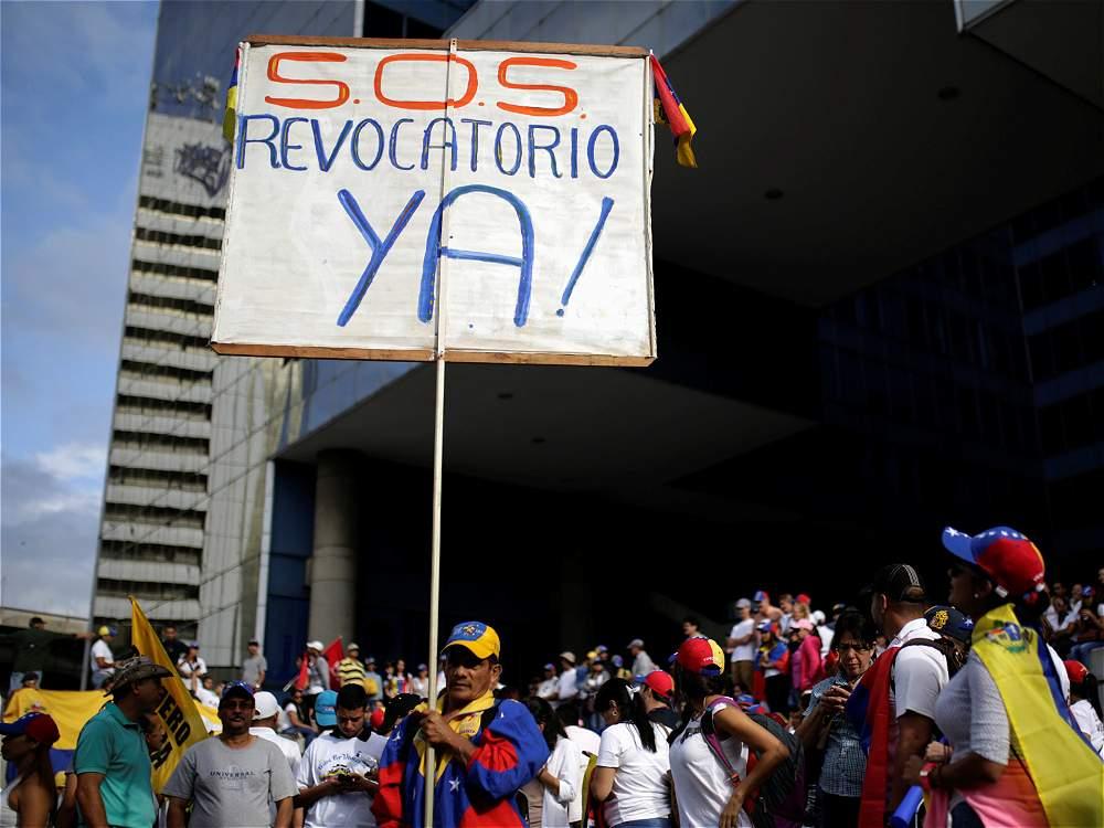 SOS REvocatoria a Maduro