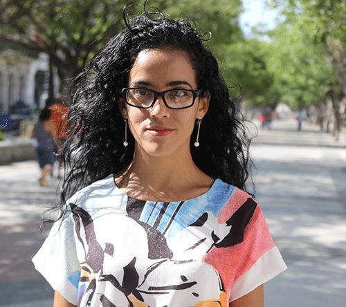 La periodista cubana Mónica Baró rubrica el trabajo 'La mudanza'. Foto: Premio Gabo