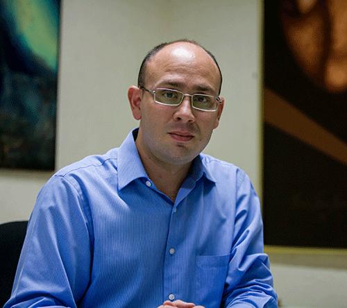 Óscar Murillo, de Venezuela, aspirante en la categoría Cobertura con el trabajo de equipo 'Masacre de Tumeremo'. Foto: Premio Gabo