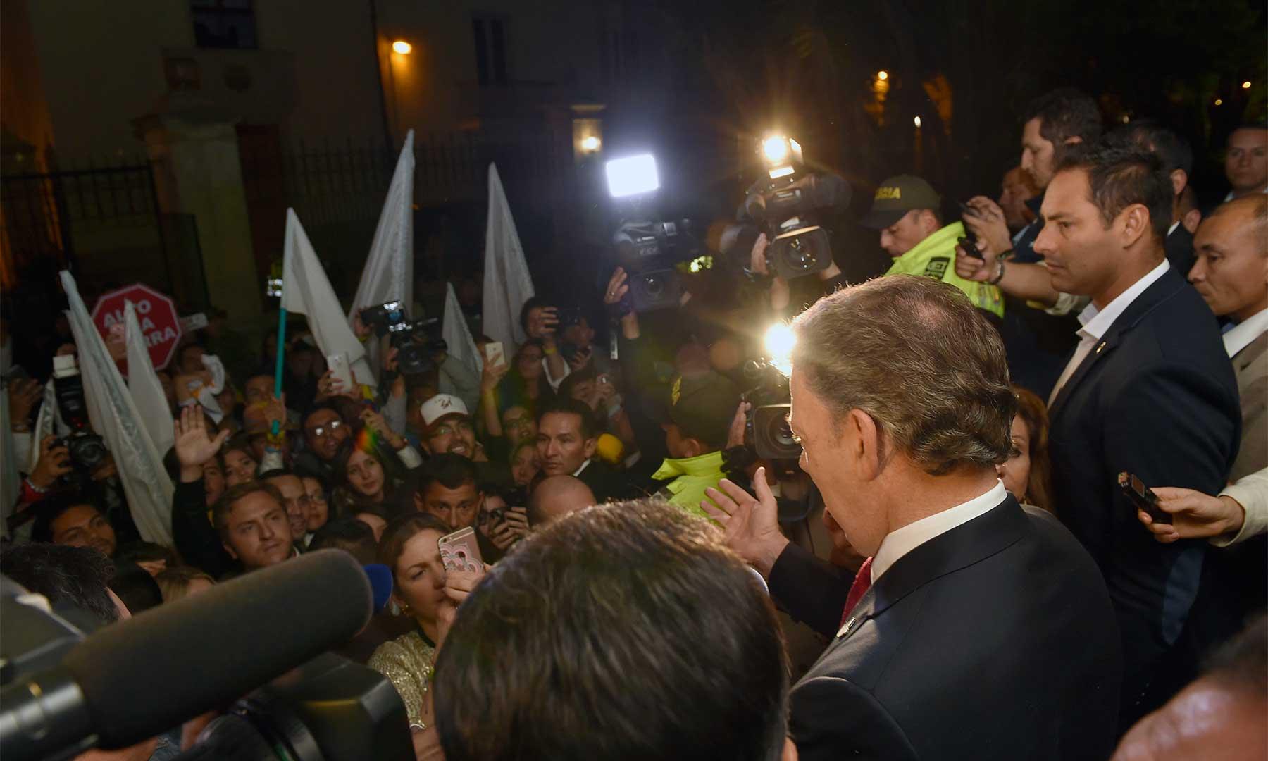 Crónica / 'Les garantizo que esa paz la vamos a conseguir', dijo el Presidente Santos a jóvenes promotores del Sí