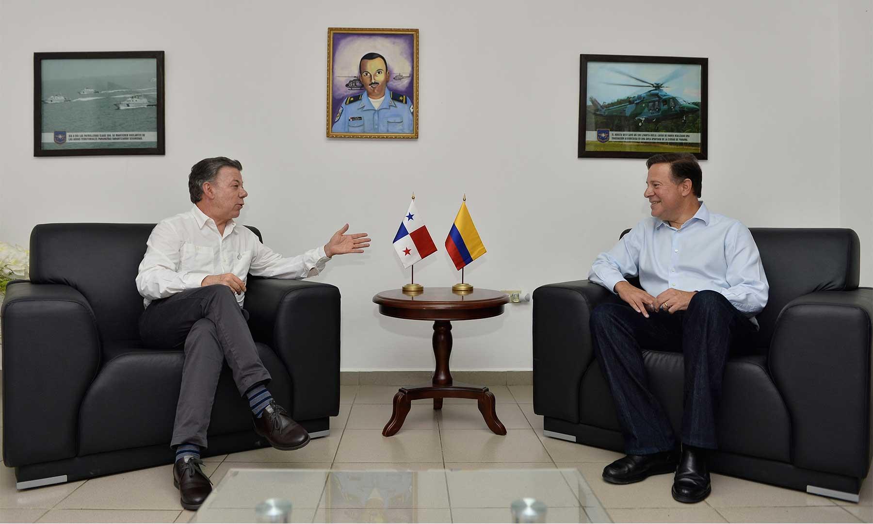 Reunión bilateral del Presidente Juan Manuel Santos y su homólogo de Panamá, Juan Carlos Varela Rodríguez, en la base del Servicio Nacional Aeronaval (Senan) ubicada en Nicanor, Metetí, en la provincia panameña de Darién.
