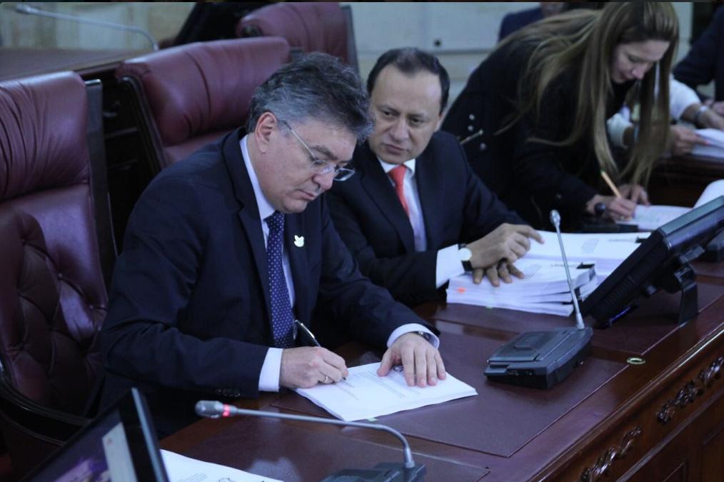 colombia-se-fortalece-en-medio-de-los-retos-radicamos