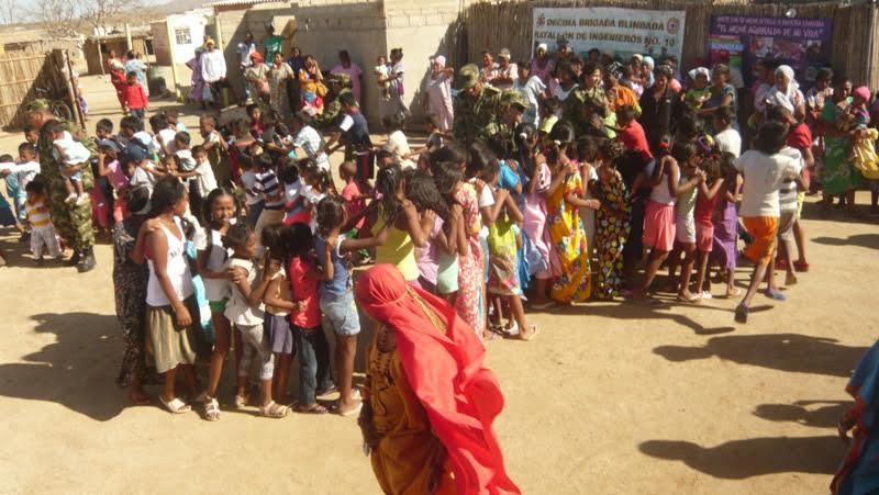 con-ayudas-humanitarias-llega-el-ejercito-nacional-al-departamento-de-la-guajira2