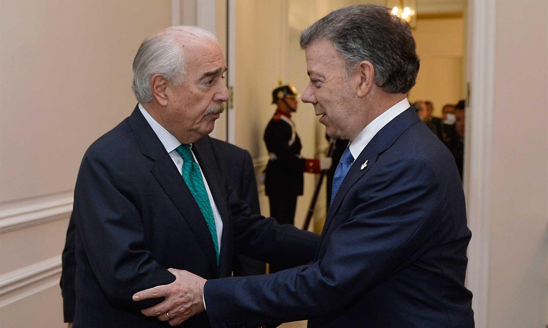 El Presidente Juan Manuel Santos se reunió con el expresidente Andrés Pastrana, en desarrollo del dialogo nacional convocado por el Jefe del Estado. Foto: Efraín Herrera - SIG