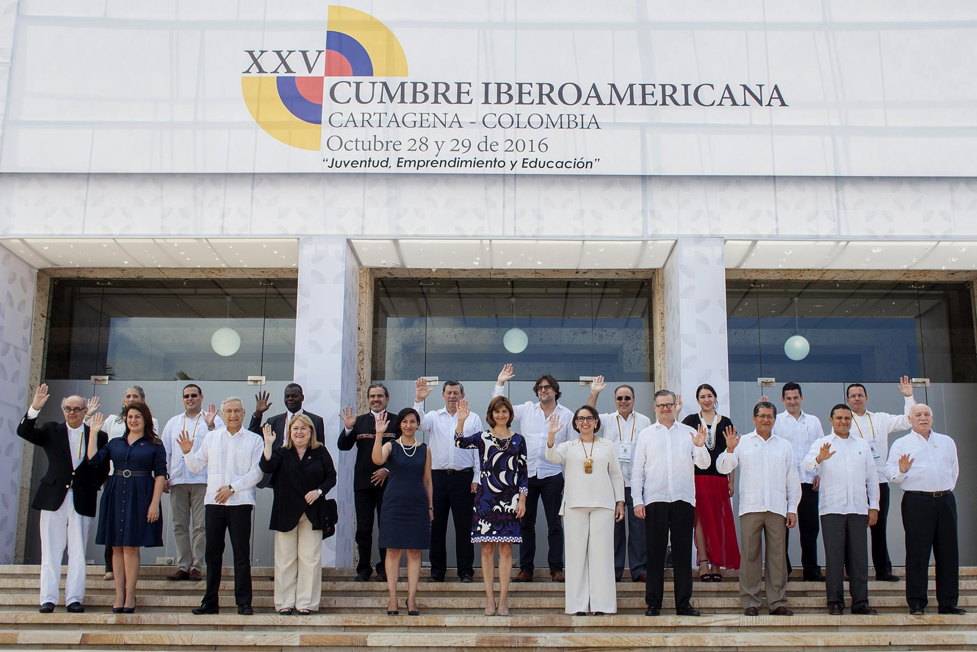 foto-oficial-de-la-reunion-de-ministros-de-relaciones-exteriores-de-la-xxv-cumbre-iberoamericana
