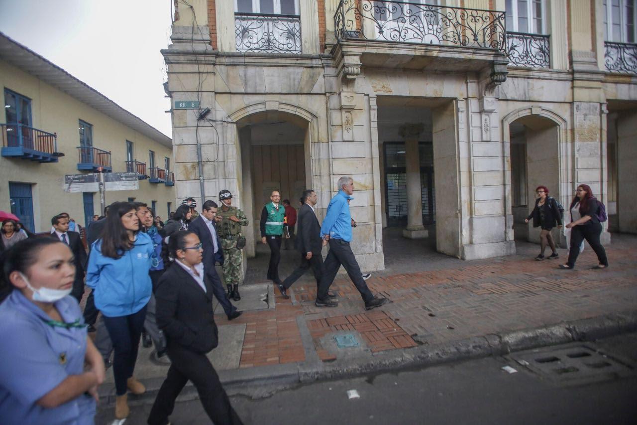 penalosa-lidero-simulacro-distrital-de-evacuacion-desde-la-plaza-de-bolivar3