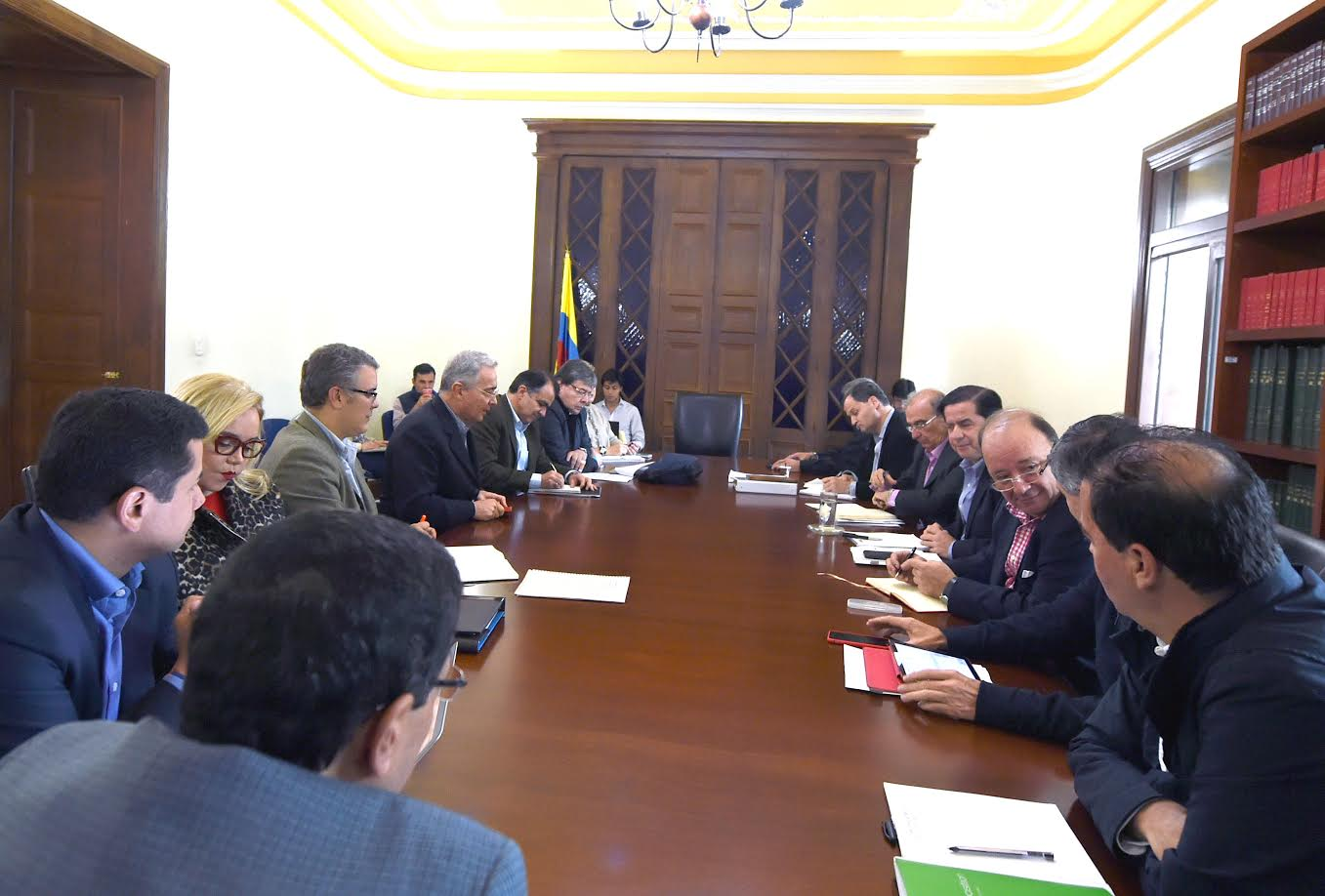 reunion-miinterior-gobierno-delegados-acuerdos-habana-voceros-del-no